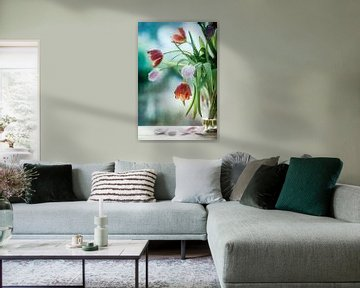Tulipes en décomposition sur Corinna van der Ven