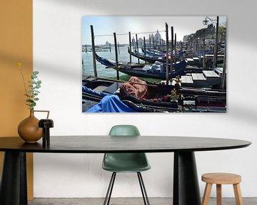 Venetië, Italië, Canal Grande aanlegsteiger gondels van Getty Betlem