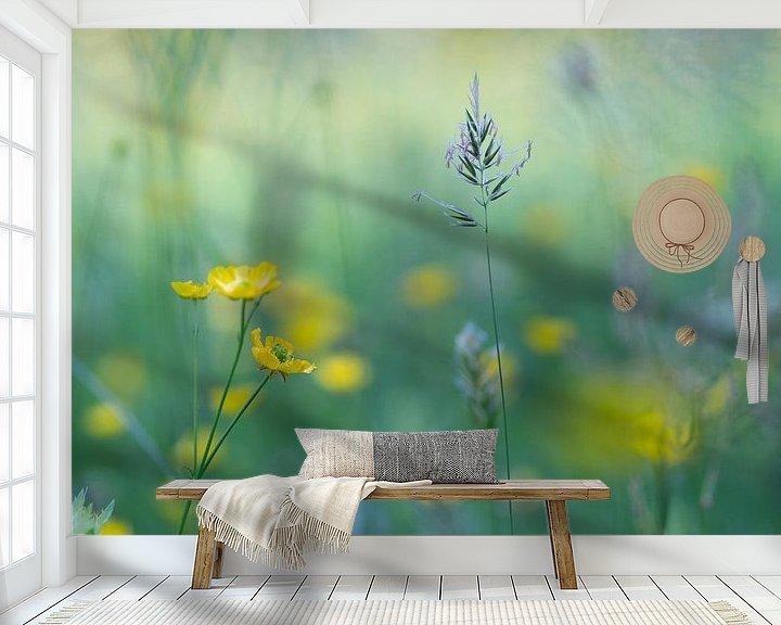 Sfeerimpressie behang: Veldbloemen van Birgitte Bergman