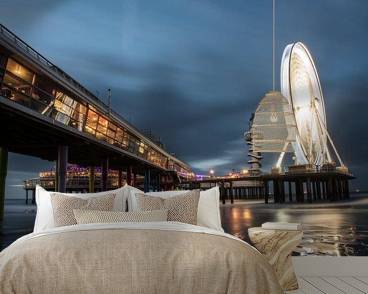 Sfeerimpressie behang: De Pier in Scheveningen #3 van Herwin Wielink