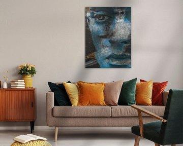 The blue face of a man von Gabi Hampe