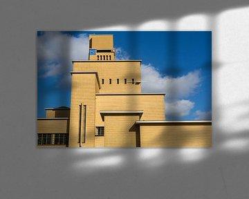 Seitenansicht des Rathauses in Hilversum, die Niederlande von Jan van Dasler