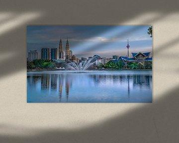 Skyline van Kuala Lumpur tijdens zonsondergang