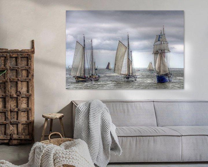 Sfeerimpressie: Zeilschepen op de Waddenzee richting Harlingen van Watze D. de Haan