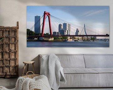 Willemsbrug en Erasmusbrug met spiegelglad water sur Mark De Rooij