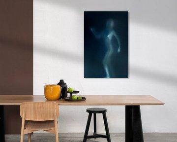 Female figure in blue von Patrick LR Verbeeck