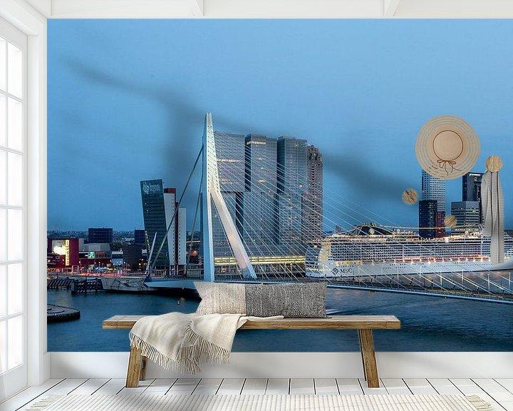 Sfeerimpressie behang: Rotterdam Erasmusbrug Cruiseship van Leon van der Velden