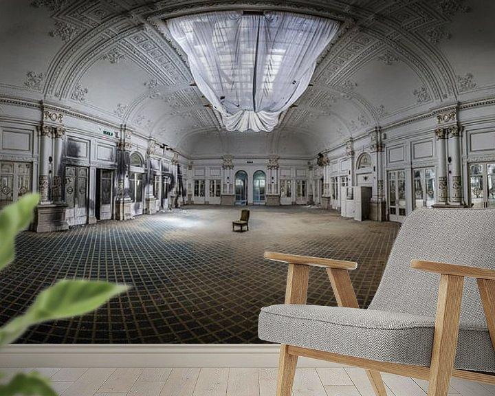 Sfeerimpressie behang: Grote danszaal in hotel van Inge van den Brande
