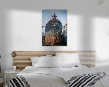 Bogen des alten hölzernen Schiffs von Adri Vollenhouw
