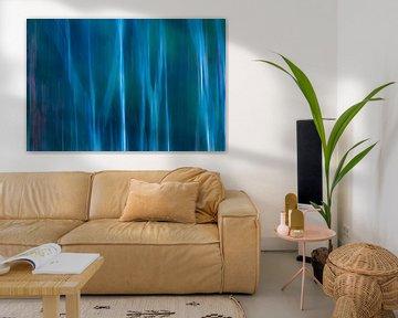 Abstract 'Berkenbos met blauwzweem' van Greetje van Son
