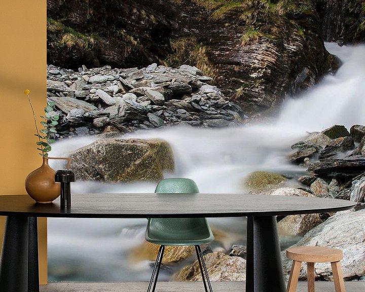 Impression: Rivière dans les montagnes sur Cynthia Hasenbos