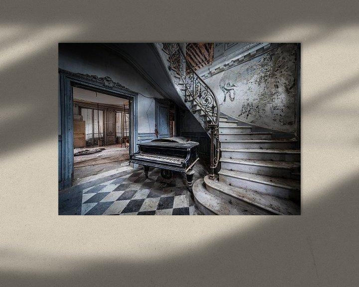 Beispiel: Klavier im Treppenhaus von Inge van den Brande