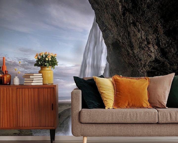Sfeerimpressie behang: Seljalandsfoss Iceland van Remco van Adrichem