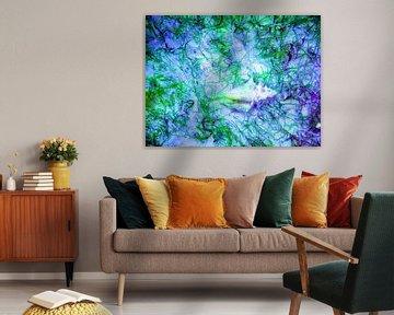 Schelp  in  paars en groen. van Silvia Weenink
