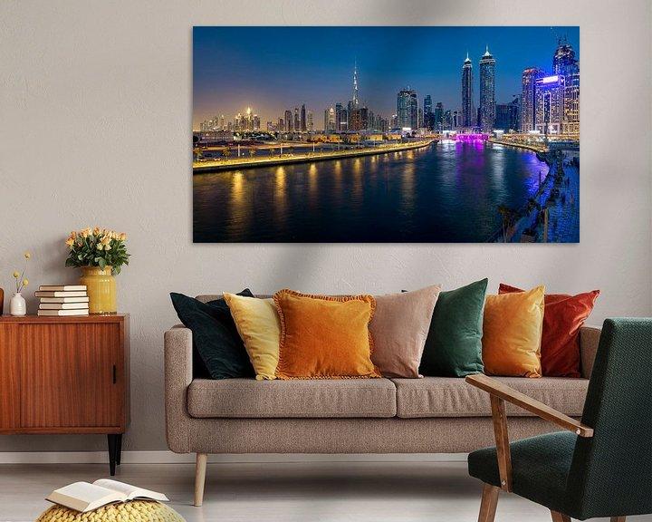 Sfeerimpressie: Dubai Canal in de avond van Rene Siebring