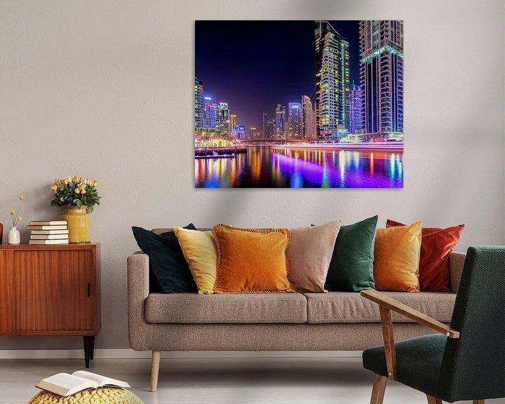 Sfeerimpressie: Dubai Marina lichtsporen van boten van Rene Siebring
