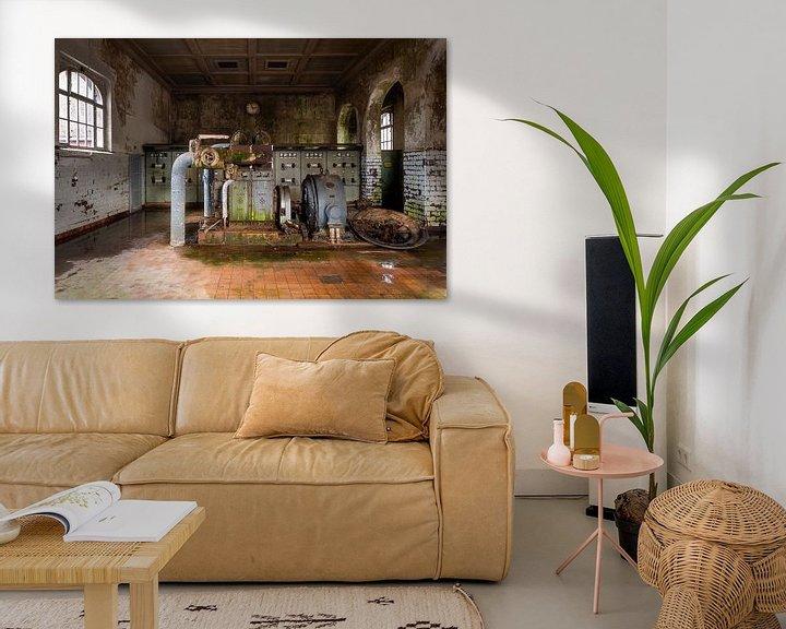 Sfeerimpressie: Verlaten Fabriek in Verval. van Roman Robroek