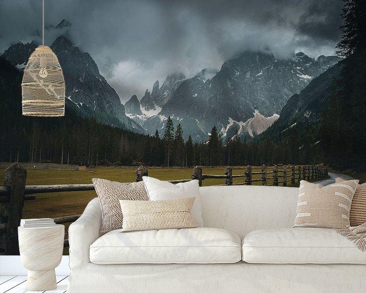 Sfeerimpressie behang: Dark mood in the Dolomites van michael regeer