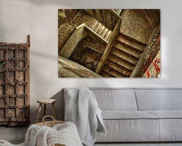 Downstairs van Guus Quaedvlieg