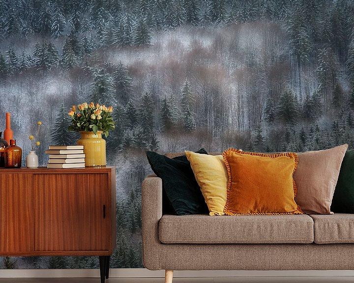 Sfeerimpressie behang: Dromerig Winterbos van Monique Pouwels
