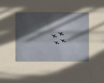 Vier jachtvliegen in de lucht von OHJA FOTOGRAFIE