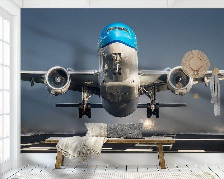 Sfeerimpressie behang: KLM Boeing 777 op Schiphol van Dennis Janssen