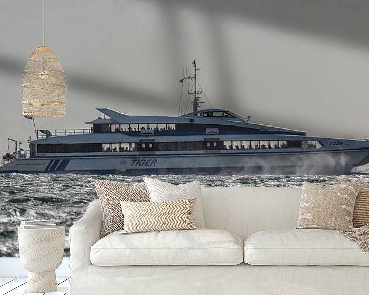 Sfeerimpressie behang: Snelboot Tiger van Roel Ovinge