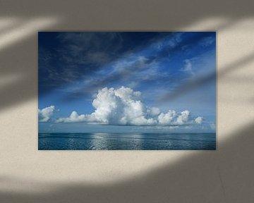Wolk boven het IJsselmeer van Fonger de Vlas