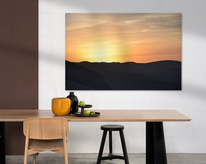Sfeerimpressie: Zonsondergang in de woestijn. van Zarina Buckert