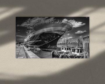Boat on the Waterfront von Guus Quaedvlieg