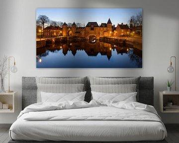 Koppelpoort Amersfoort tijdens het blauwe uur von Arnoud van de Weerd