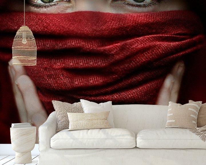 Sfeerimpressie behang: Arabische roos (Steve Mcurry inspiratie) (gezien bij vtwonen) van Elianne van Turennout