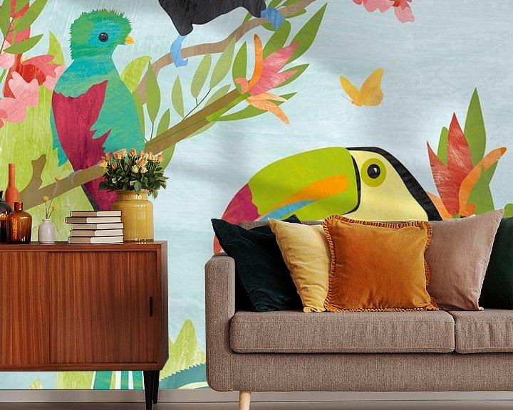 Sfeerimpressie behang: Vogels in jungle van Karin van der Vegt