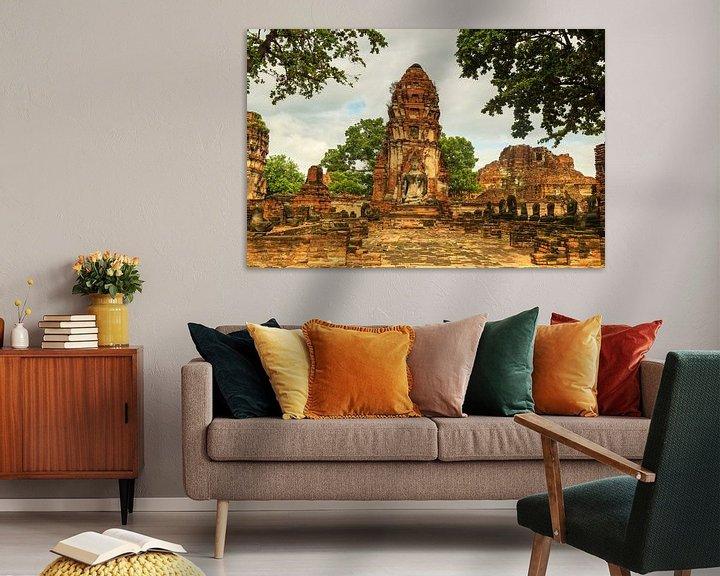 Sfeerimpressie: Wat Phra Mahathat tempelcomplex van Ilya Korzelius