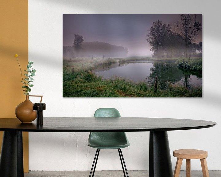 Sfeerimpressie: Sunrise mist fog on the water van Wim van D