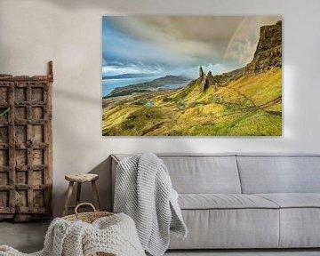 Rainbow at the Old Man of Storr, Isle of Skye van Michael Valjak