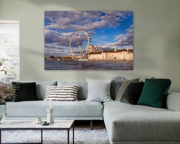 London Eye mit Old Country Hall van Angela Dölling