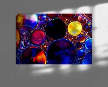 Öltropfen auf Wasser von Harry Wedzinga