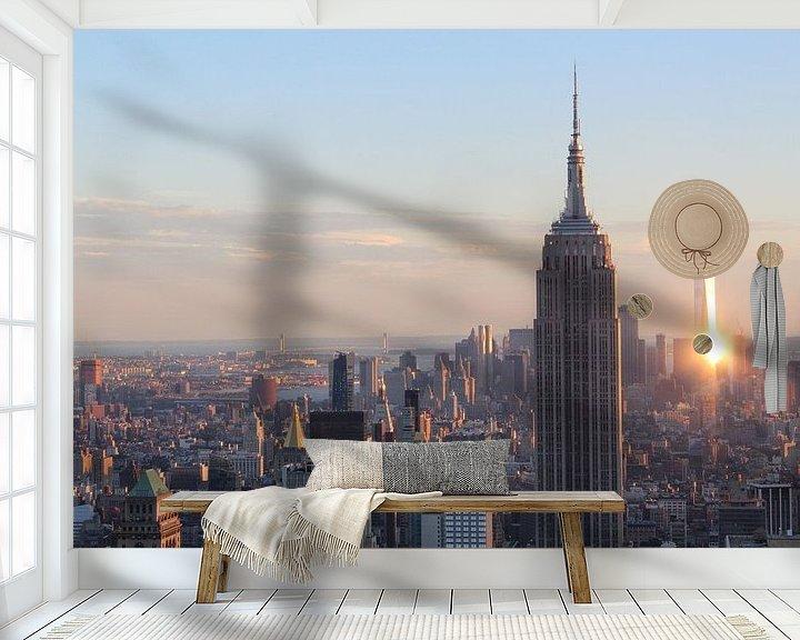 Sfeerimpressie behang: Uitzicht op New York tijdens zonsondergang inclusief One World Trade Center en Empire State Building van R.Phillipson
