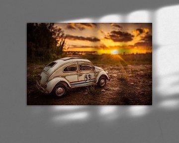 Herbie @ a golden Sunset van Leo leclerc