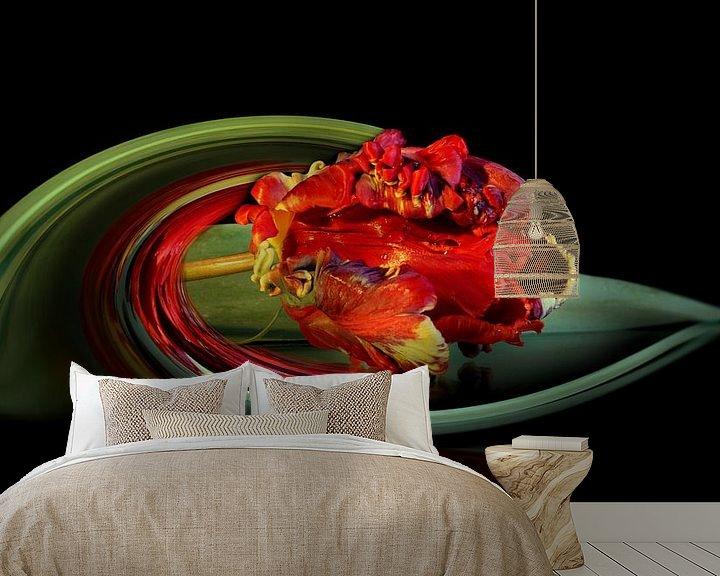 Sfeerimpressie behang: Moderne Papegaai Tulp van C.A. Maas