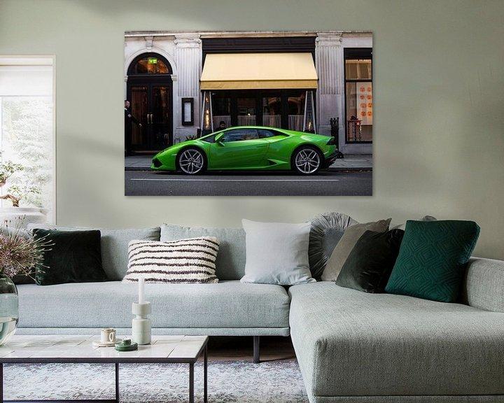 Sfeerimpressie: Lamborghini Huracan bij een restaurant in London van joost prins