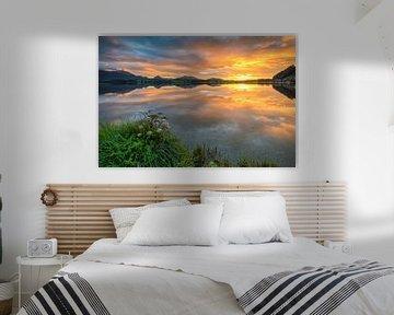 Zonsondergang bij het meer van Hopfensee van Michael Valjak