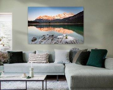 Alpiene gloed op het Zugspitze-massief van Michael Valjak