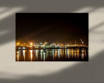 Harlingen at night van Maurice van Miltenburg
