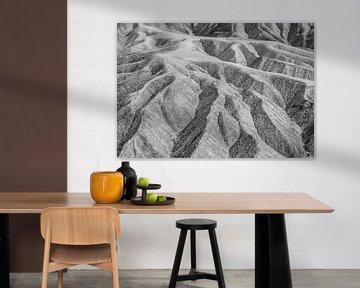 Death Valley: Zabriskie Point (schwarz und weiß) von Dirk Jan Kralt