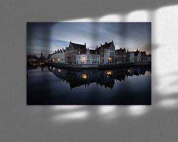 Belgique - Bruges - l'œuf en miroir à l'heure bleue