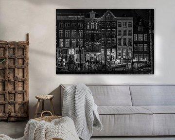 Inkijk aan een Amsterdamse gracht von Freek Rooze