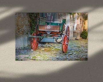 Verlassene Wagen auf Kopfsteinpflaster von Jan van Dasler