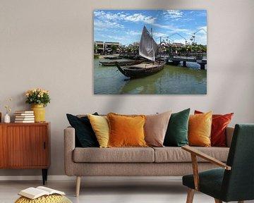 Zeilbootje in Hoi An Vietnam van Berg Photostore